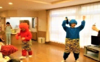 2月3日節分!特別養護老人ホームサンバレーに赤鬼青鬼登場!豆まきの開始です!!