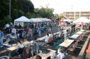夏の風物詩、芙蓉苑・サンバレー合同での「納涼祭」を開催! 芙蓉苑・サンバレーの納涼祭は地域に根付いたお祭りです。 「昔ながらのお祭り」をモチーフとし、スタッフ一同準備を進めて参りました。