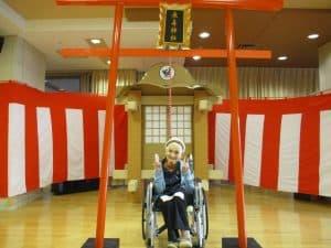「今年はリバーサイドに神社が登場しました!その名も長寿神社! 外出が困難な方にも初詣をしてもらいたいとの思いで職員が手作りしました」