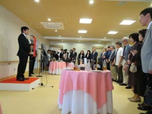 式典終了後には細やかながら小宴を催し、日野サザンポート 小林施設長よりご列席の皆様方へご挨拶申し上げました。