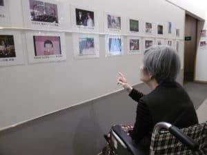懐かしい』『この人、誰だっけ』等々、約100枚展示した写真を前に会話が盛り上がりました。