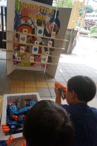 屋台は南国をイメージしたロコモコ丼など飲食店含む16店舗を出店。射的など4種の子供向けゲームも充実しています。